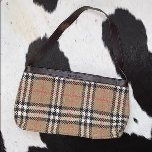 Vintage Burberry woolen nova check shoulder bag